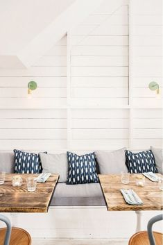 Eclectic seating with patterned pillows and shiplap walls Different House Styles, Kitchen Images, Made Of Wood, Outdoor Sofa, Outdoor Furniture, Outdoor Decor, Parsons Green, Mille, White Shiplap