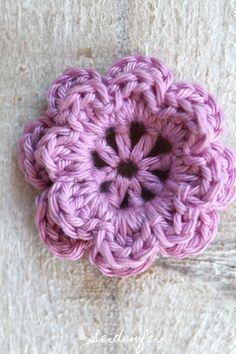 seidenfeins Blog vom schönen Landleben: Anleitung für die Häkelblüte Frieda * Crochet flower Frieda Tutorial