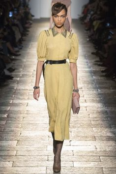 View the complete Fall 2017 collection from Bottega Veneta.