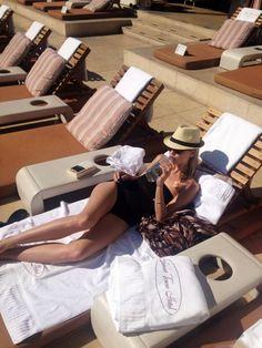 91501d69f5 Off duty @elinkling #stylebykling LA poolside shot Elin Kling, Luxe Life,  Daily