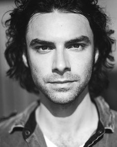 Aidan Turner. From supernatural roommate to Middle Earth dwarf to awesome.
