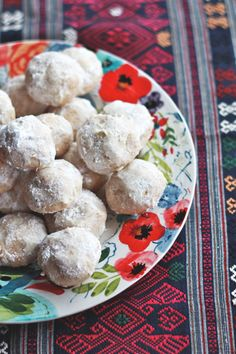 Mexican Wedding Cookies | Perpetually Chic
