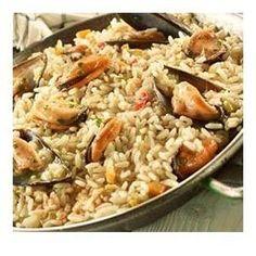 Μυδοπίλαφο Food Network Recipes, Food Processor Recipes, Cooking Recipes, Salsa Verde, The Kitchen Food Network, Rice Ingredients, Mussels, Greek Recipes, Fish And Seafood