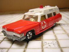 ambulancia tomica vintage