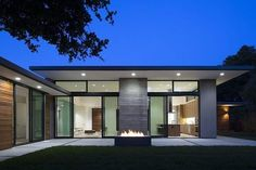 I love this modern interpretation of an iconic mid century modern home. Curt Cline of Modern House Architects has created perfection. The wood imprinted concrete...