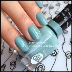 Sally Hansen Miracle Gel Grey Matters