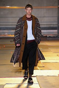cerruti1881  CERRUTI 1881 PARIS SS15 FASHION SHOW LOOK 36 Moda Maschile e8fed1b4743