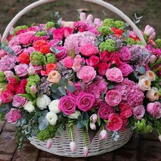 Beautiful Flower Arrangements, Floral Arrangements, Fresh Flowers, Spring Flowers, Amazing Flowers, Beautiful Flowers, Happy Birthday Flower, Ranunculus Flowers, Good Morning Flowers