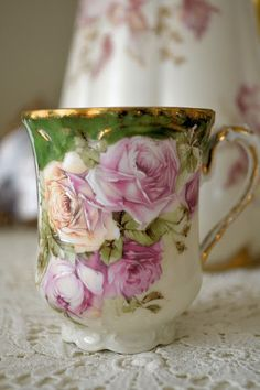 .I would love to drink tea or coffee from this lovely cup!