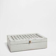 BOX WITH OPENWORK DETAILS