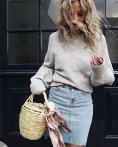 New Black Round Neck Long Sleeve Casual Pullover Sweater Denim Skirt Outfits, Plaid Outfits, Fall Outfits, Summer Outfits, Jean Outfits, Summer Dresses, Denim Skirt Winter, Stil Inspiration, Outfit Invierno