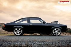 Shannon Longhurst's tough black-on-black Torana LX hatch looks so slick even master painter Charley Hutton was impressed Australian Muscle Cars, Aussie Muscle Cars, Big Girl Toys, Girls Toys, Holden Muscle Cars, Holden Torana, Holley Efi, V8 Supercars, Chevy Impala