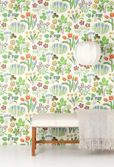 for the bathroom: Swedish wallpaper design by Josef Frank. Swedish Wallpaper, New Wallpaper, Wallpaper Backgrounds, Wallpapers, Flower Wallpaper, Cottage Wallpaper, Home Interior, Interior And Exterior, Interior Design