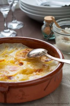 Gratin Dauphinois is made of potatoes and creme fraiche, a specialty from the historic region of Dauphine. French Dishes, French Food, Healthy Dinner Recipes, Vegan Recipes, Cooking Recipes, Gratin Dauphinois Recipe, Musaka, Grilling Gifts, My Best Recipe