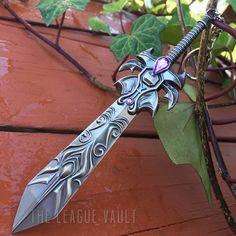 League of Legends - Dreadknight Garen Sword Keychain/Necklace
