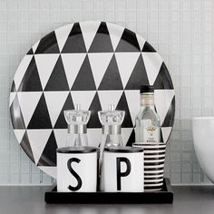 ferm living + tine k Swedish Interior Design, Interior Design Kitchen, Interior Decorating, Kitchen Designs, Decorating Ideas, Minimalist Home, Modern House Design, Interior Inspiration, Kitchen Inspiration