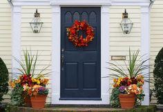 Com inspiração no outono, este é um arranjo que também pode ser pendurado em um corrimão ou na lareira.    http://www.westwing.com.br/magazin/inspiracao/estilo-outonal/