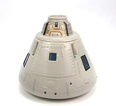 This is a NASA Apollo Capsule Cookie Jar. This cookie jar is ceramic and easy to clean. Ceramic Cookie Jar, Cookie Jars, Popular Kids Toys, Quick Snacks, High Fashion Home, Jar Lids, Safe Food, Food Storage, Ceramics