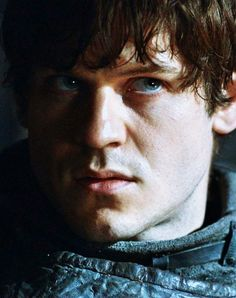 Ramsay Bolton....attractive when he isnt torturing people