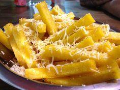 Polenta Frita com Queijo - Sabor Perfeito Polenta Frita, Tapas, Mole, Apple Pie, Macaroni And Cheese, Waffles, Side Dishes, Food And Drink, Cooking