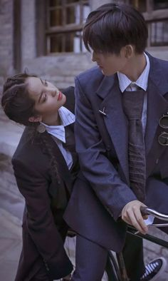 Highschool love~ Couple Posing, Couple Shoot, Anime Couples, Cute Couples, Boy And Girl Best Friends, Pose Reference Photo, Korean Couple, Ulzzang Couple, Couple Aesthetic