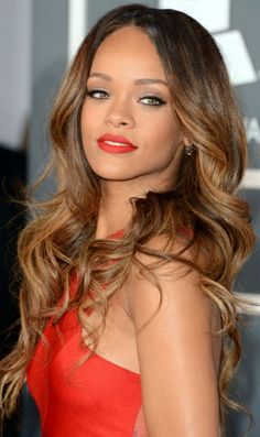 Best Rihanna's Curly Hairstyles