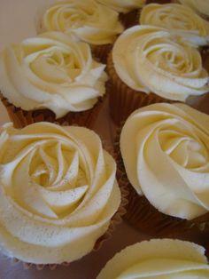 Roses cupcake design