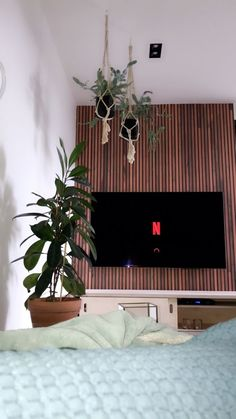 chillinn Instagram, Bed, Furniture, Home Decor, Pictures, Decoration Home, Room Decor, Home Furniture, Interior Design
