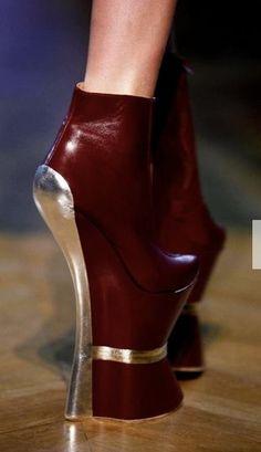 Futuristic Look / futuristic look, future fashion, strange shoes, futuristic style, metallic, futuristic shoes