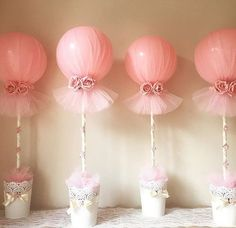 29 Ideas Baby Shower Girl Decorations Diy Tulle Balloons - Decoration For Home Baby Shower Balloon Decorations, Balloon Centerpieces, Baby Shower Balloons, Baby Shower Centerpieces, Baby Shower Favors, Shower Party, Baby Shower Parties, Baby Shower Themes, Baby Shower Gifts