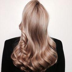 Honey Blonde Hair, Blonde Hair Looks, Warm Blonde Hair, Ashy Hair, Golden Blonde Hair, Cabelo Inspo, Champagne Blonde, Braut Make-up, Hair Dos