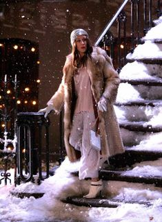 Carrie Bradshaw Sex and the City Style Lessons Estilo Carrie Bradshaw, Carrie Bradshaw Outfits, City Outfits, Fashion Outfits, 90s Fashion, Nye Dress, Snow Outfit, Dress Vestidos, Sarah Jessica Parker