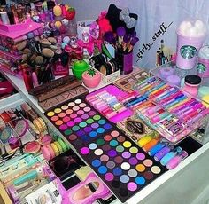 Eminence Herbal Eye Make-Up Remover, Ounce - Cute Makeup Guide Eyeshadow Makeup, Makeup Cosmetics, Makeup Brushes, Eyeshadow Palette, Pink Eyeshadow, Morphe Eyeshadow, Foil Eyeshadow, Organisation Hacks, Makeup Organization
