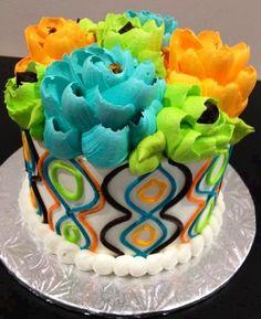 White Flower Cake Shoppe Buttercream Designs, Buttercream Decorating, Cake Decorating With Fondant, Buttercream Cake, Pretty Cakes, Beautiful Cakes, Amazing Cakes, Flower Cupcake Cake, Cupcake Cakes