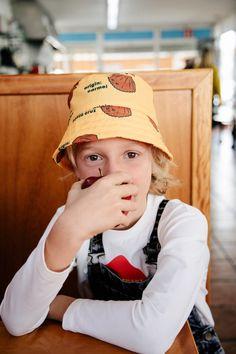 Tinycottons Luckywood Herbst/Winter 19 bei Hasel und Gretel. Nachhaltige   Baby- und Kinderkleidung von 0-12 Jahre bei Hasel und Gretel. Board For Kids, Kids Fashion, Baseball Hats, Baby Boy, Concept, Photoshoot, Children, Boys, Babies
