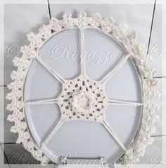 Best 12 New Ideas For Crochet Doilies Diagram Haken – SkillOfKing. Crochet Cross, Crochet Home, Thread Crochet, Filet Crochet, Crochet Doilies, Crochet Baby, Crochet Ripple, Crochet Squares, Wc Set
