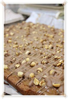 Täyttä elämää: Snickerspiirakka Sweet Tooth, Cereal, Goodies, Sweets, Breakfast, Recipes, Food, Tooth Fairy, Treats