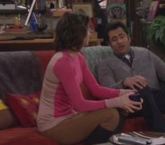Robin's pink sweater with cream back on How I Met Your Mother.  Outfit Details: http://wornontv.net/2350/ #HowIMetYourMother