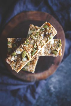 Almond butter date homemade granola bars, super food granola bars, homemade granola bars, gluten free vegan naturally sweetened granola bars