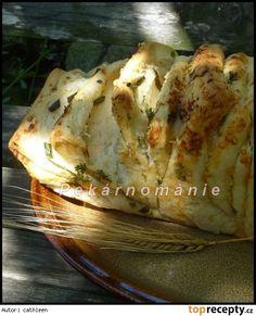Trhací chlebík (Pull Apart Bread)