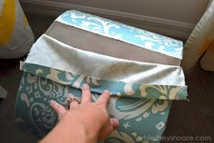 While They Snooze: How to Cover an Ugly Light Fixture Do It Yourself Decorating, Make It Yourself, Diy Light Fixtures, Project Board, Textile Design, Being Ugly, Diy Home Decor, Lunch Box, Diy Projects