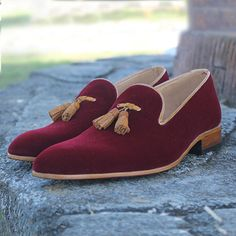 Handmade Men's Maroon Suede Tassel Shoes, Men's Causal Loafer Suede Party Shoes – leahteredges Mens Suede Loafers, Leather Loafer Shoes, Tassel Loafers, Suede Shoes, Men's Loafers, Dress Luxury, Luxury Shoes, Men Dress, Dress Shoes