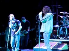Eddie Veder & Chris Cornell.....2 best male singers Ever!  Temple of the Dog - Hungerstrike