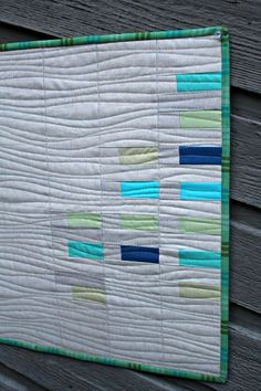 One of my very favorite kinds of quilting is organic straight-line, and it's as low-stress as it gets. Though it's even simpler than doing actual straight lines, I've had enough people ask about it, t