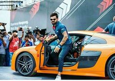 Here you can find most impressive collection of Virat Kohli Wallpapers to use as a background for your iPhone and Android device. Virat Kohli And Anushka, Virat Kohli Wallpapers, Latest Wallpapers, Wallpapers Ipad, Galaxy Pictures, Sports Personality, Indian Star, San Fransisco, Anushka Sharma