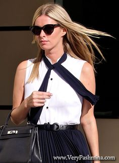 #NickyHilton Wears A Black Tie #Scarf To The Family Office