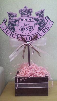 Juicy Couture birthday party festive center by jessicadmarquez3