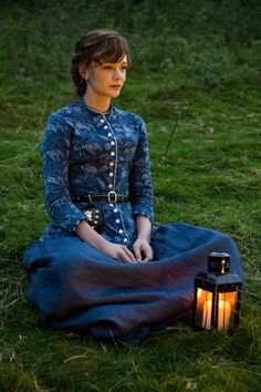 Carey Mulligan - Far from the Madding Crowd Movie Photos, Carey Mulligan Style, Outfits and Clothes. Carey Mulligan, Far From Madding Crowd, Elizabeth Gaskell, Movie Costumes, Film Serie, Movie Photo, Actors, Period Dramas, Historical Clothing