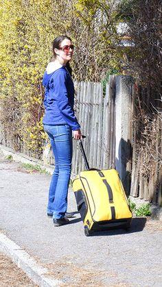 Samsonite Paradiver Light Test - Eine gute Reisetasche mit Rollen und Rucksackfunktion im Test, reisetasche mit rollen und rucksackfunktion test Carry On Suitcases, Travel, Dime Bags