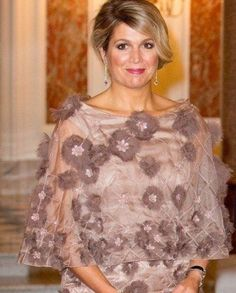 Maxima Evening Shawls, Dutch Royalty, Queen Maxima, Royal Fashion, Role Models, Princesses, Netherlands, Famous People, Glamour